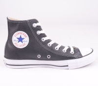 Chuck Taylor Black Leather Hi